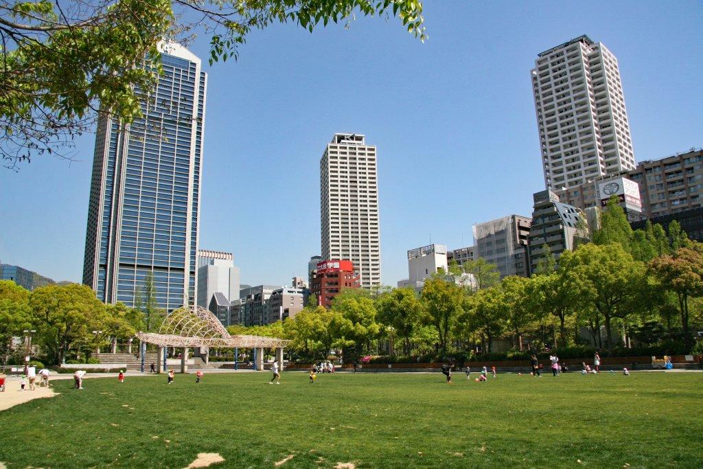 higashi yuenchi park in kobe city
